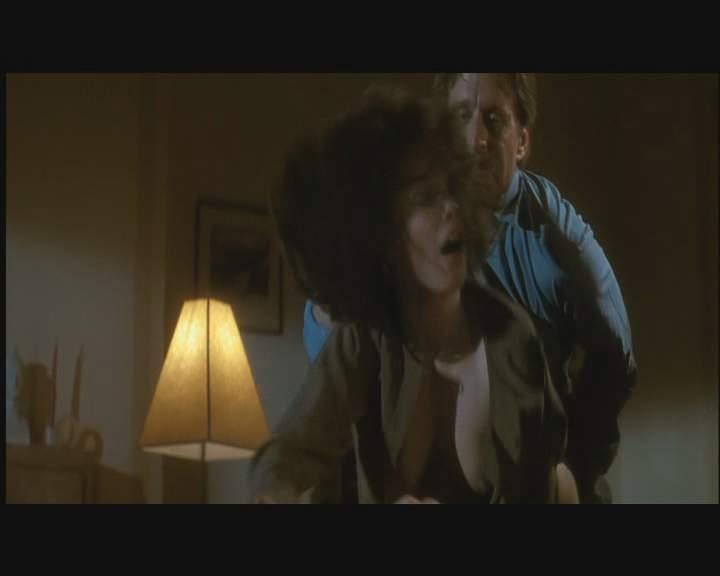 Instinct jeanne tripplehorn basic Sharon Stone